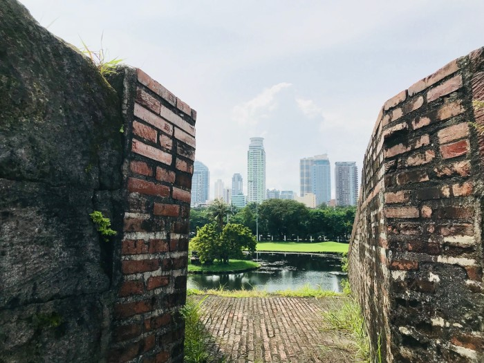 manila_skyline_through_intramuros_fort